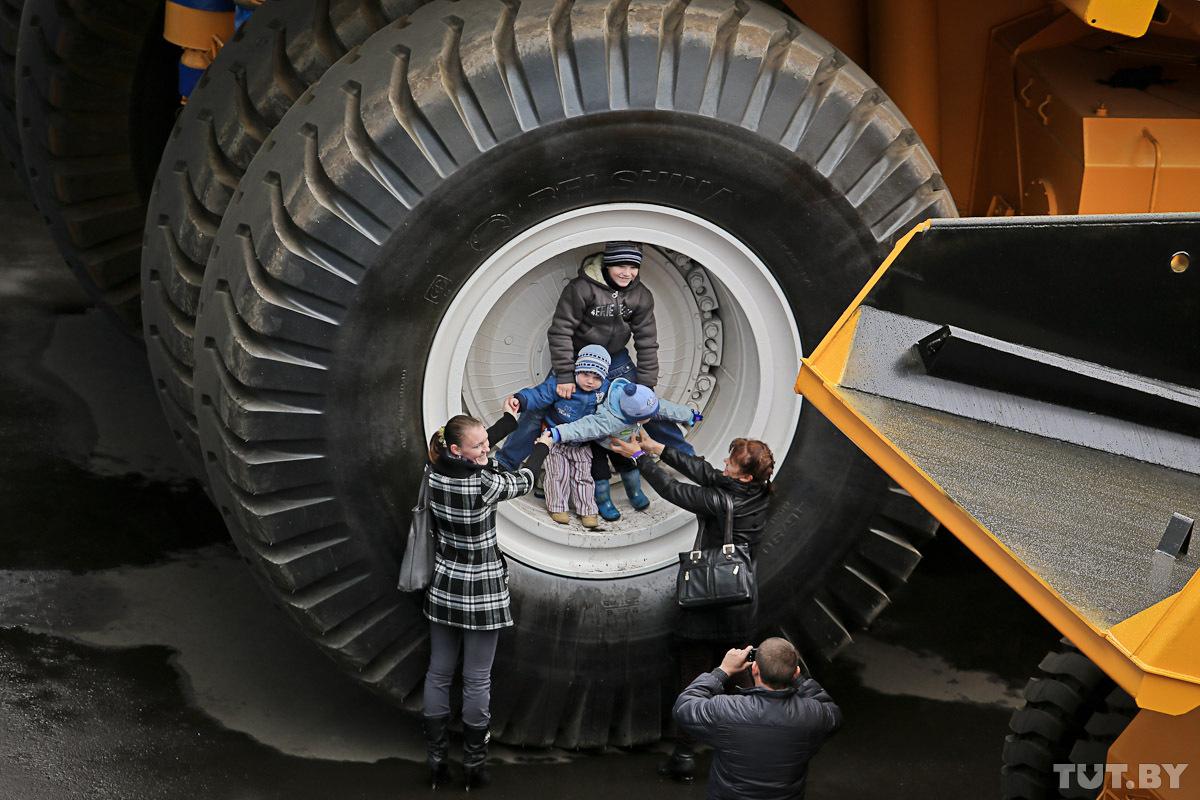 БелАЗ показал народу самый большой самосвал планеты - ЕвроБеларусь